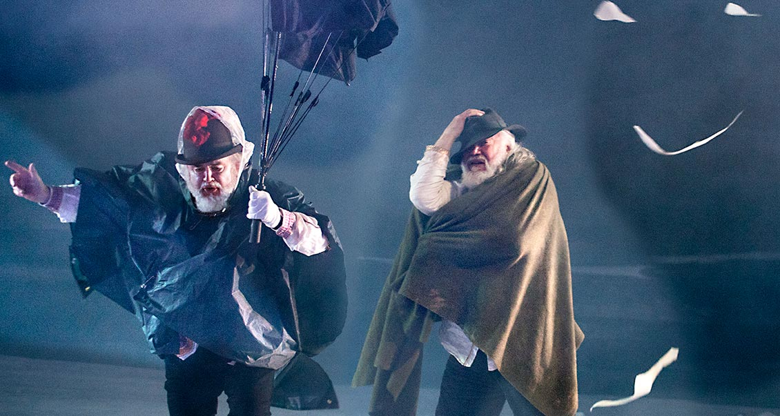 King Lear by Shakespeare; JT as King Lear with Kim Begley (Fool); The Grange Festival, Hampshire; July 2021; photo: SIMON ANNAND